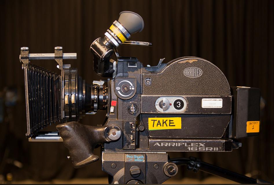 arriflex 16mm sr2 zboku